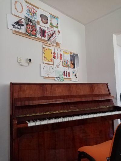 Музикален кабинет 6